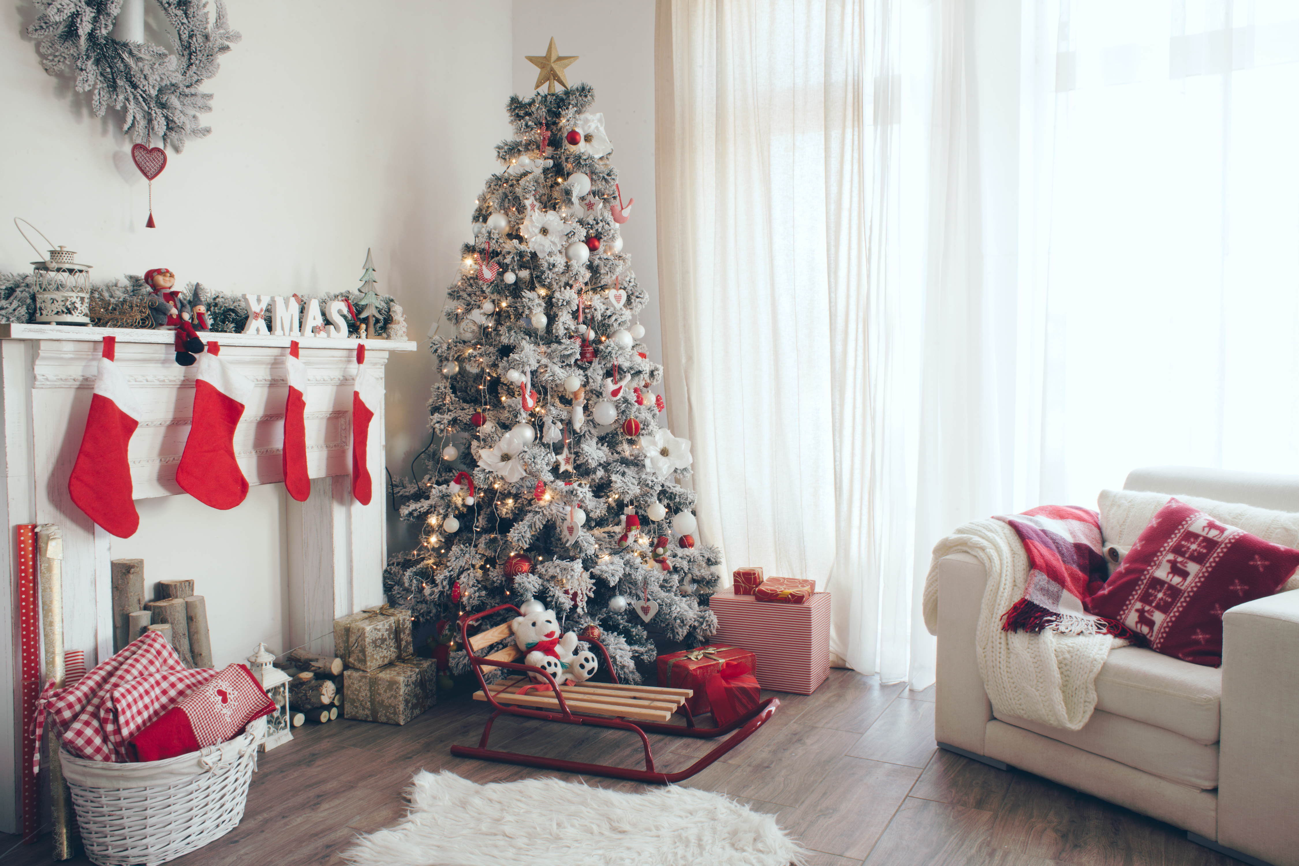 10 Ways to Protect Your Budget from the Holidays