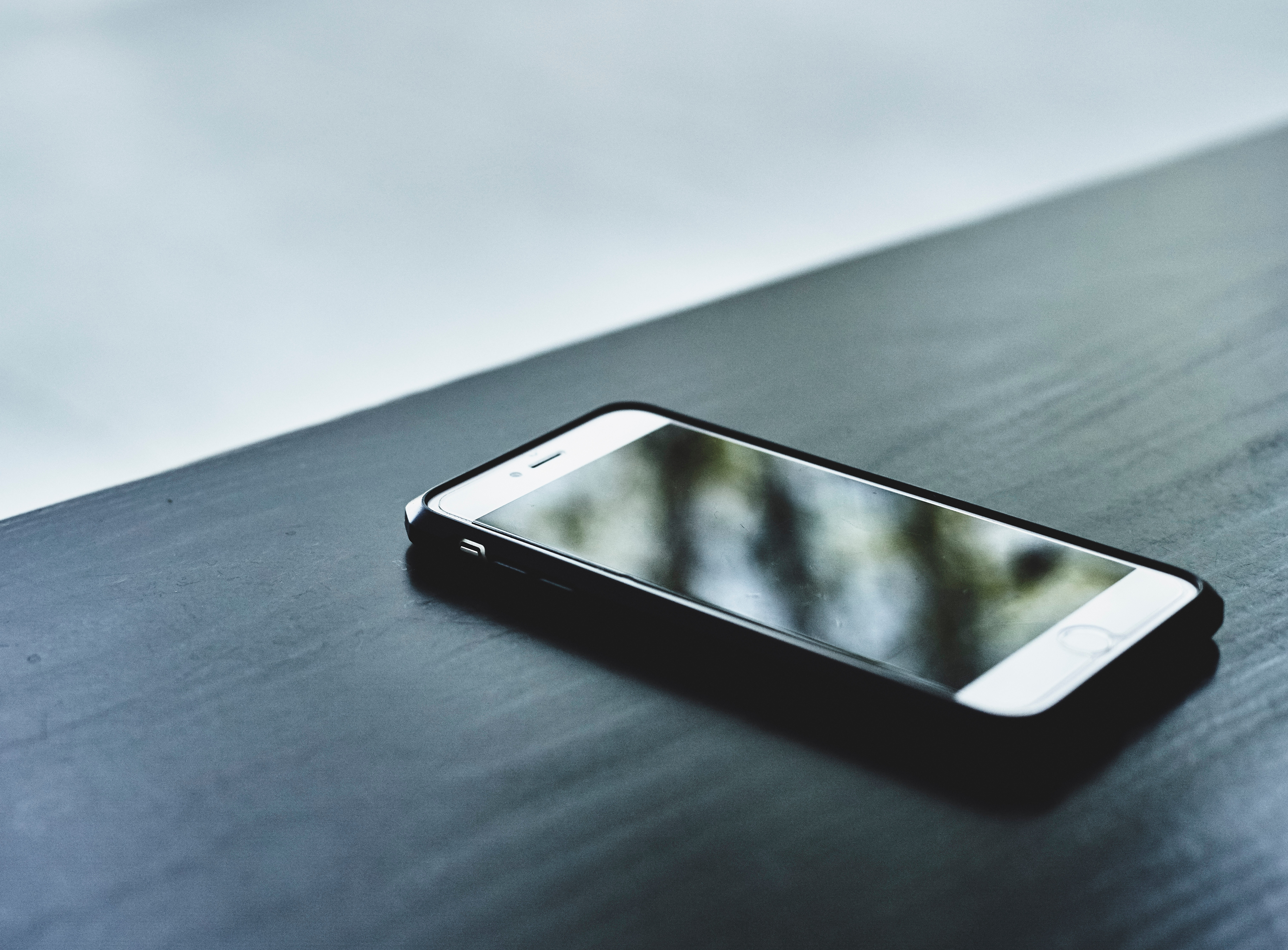 3 Reasons to Consider Ditching Your Smartphone