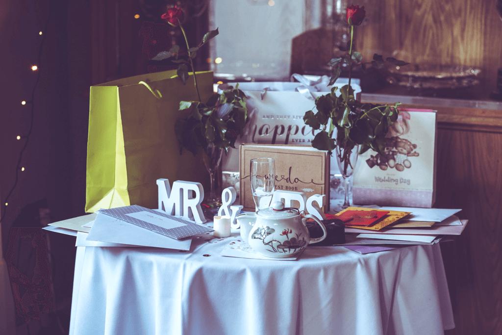 10 budget friend wedding gifts